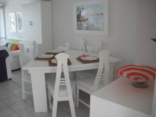 Beachfront Condo; Well Equipped, Well Furnished, Mazatlán