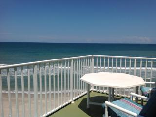 3 Bd - Penthouse - Oceanfront - Private Hot Tub, Satellite Beach
