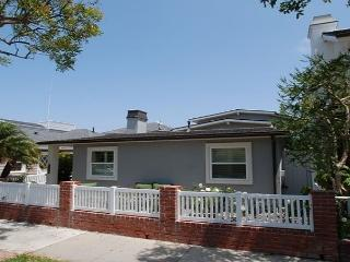 Gorgeous Single Family Peninsula Point Home! (68302) **Monthly Rentals Only**, Newport Beach