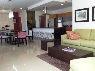 STUDIO ONE 205 - Modern and fully equipped condo!, Playa del Carmen