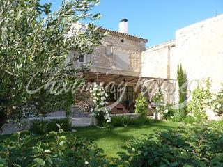 Charming village house with private pool, Maussane-les-Alpilles