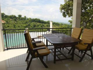 Villa Mente: 3-bedroom Villa with Amazing Views!