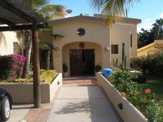 $200 / 3br - 3000ft² - 3 bd house at  Golf Course, San José Del Cabo