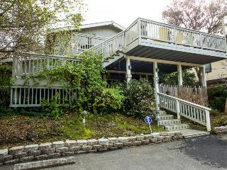Charming dog-friendly home w/ unique interior, ocean views & great wood stove!, Aptos