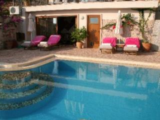 (005VG) Great 4/5 Bed Villa, Kalkan