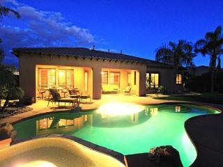 'Acacia' Elegant 5 BR, Private Pool, Spa & Firepit, La Quinta