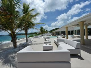 LA PERLA PALAIS...luxury on beautiful Baie Rouge beach