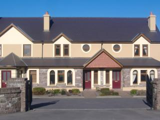 SEEFIN GROVE 4 STAR HOLIDAY RENTAL, Glenbeigh