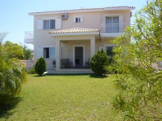 Capers Villa, Latchi