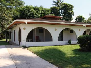 Simple Luxury & Affordable Price! Playa Palo Seco, Parrita