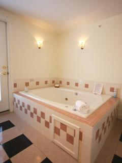 Guest Room 2's HUGE double whirlpool tub