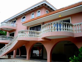 Tingler Island mansion