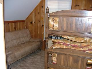Bedroom 2 with 2 Twin Beds and Full Futon