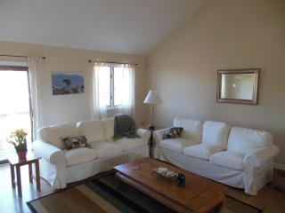 Beach Block Newly Renovated 3BR/2.5BA Townhouse, Brigantine