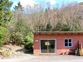 TROUT COTTAGE all ground floor, one bedroom, near to river in Llanwrthwl Ref 221