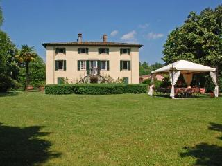 Villa Clara Vacation Rental in Lucca, San Michele di Moriano