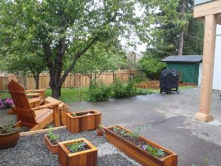 Large groups & Families! Affordable Luxury privacy, Victoria