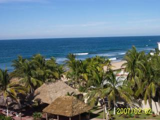 Magnificent Beachfront Condo, Mazatlán