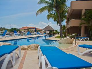 Marina front condo with 5 star services!
