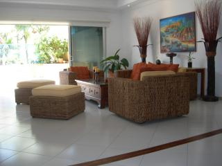 Spacious beachfront apartment in La Boquilla