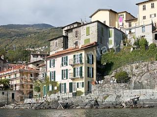 Villa Dinamia, Rezzonico