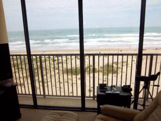 Beachfront Upper Floor, Unbelievable Views!!!
