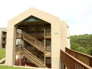 Branson Condo Rental | Eagles Nest | Indian Point | Silver Dollar City | Walk-in (0610603)