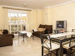 SPACIOUS APARTMENT WITH THE BEACH ACROSS THE ROAD, Malaga