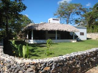 La Cueva eco-lodge, Las Galeras