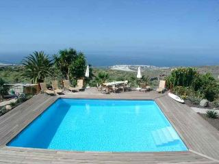 Casa Marbella Finca SanJuan (Batista) with common heated pool and Pool-Bar