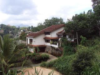 Gladmanit Homestay Apartment, Kandy