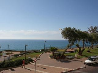 Netanya - Amazing Sea Front Apartment on Nitsa