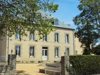 B & B au XIXe siècle maison design et calme, Les Herbiers