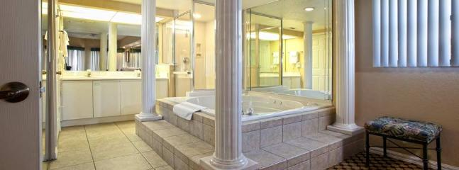 Jacuzzi Tub with Dual Vanity and See-thru shower
