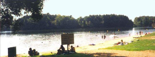 Swimming lake 5km from the house with bars, restaurant, change and shower facilities, playground
