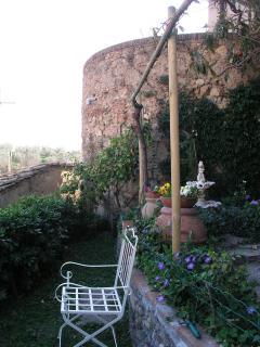 medieval tower in the garden of La Casa nel Borgo