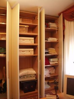 Wardrobe Bed-linens, towels, table linens