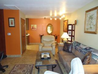 Palisades Suite, Palm Springs/One Bedroom/Heated Pool/Jacuzzi