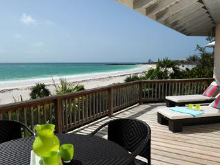 Historic 5-b.r. Villa Directly on Windermere Beach, Eleuthera