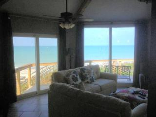 4BR house directly on the Gulf of Mexico!