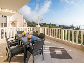 Villa Samba - Two-Bedroom Apartment with Balcony and Sea View - A4+2, Plat