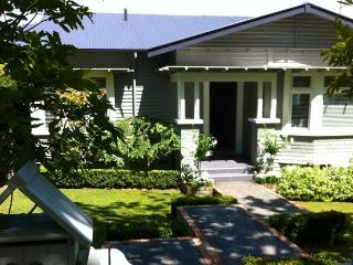 REMUERA B;B: 2 BEDROOMS: 5 STAR TRIP ADVISOR *****