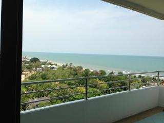 Condos for rent in Hua Hin: C6034