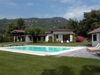 Waterfront Exclusive Villa, Lesa