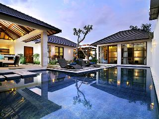 SEMINYAK, Great Value, 3 Bdr, Near Beach, New, Legian