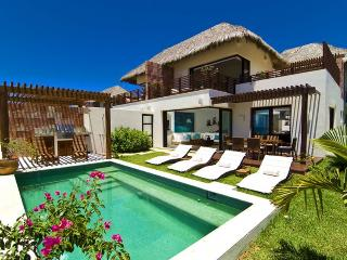 Villa Onix, Punta de Mita