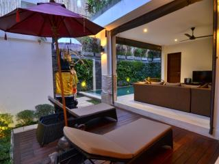 2 PRIVATE POOLS - 5 BEDROOMS - LUXURY IN SEMINYAK