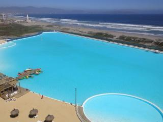 Resort Laguna del Mar with sea views, La Serena
