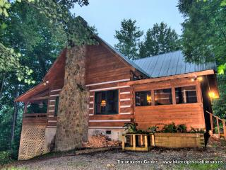 2 LOG CABINS 1 LOW PRICE*HotTub*Creek*Fireplaces, Valle Crucis