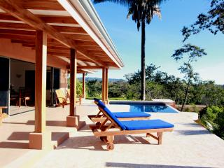 Tranquil ocean view, constant breeze, eco friendly, Montezuma